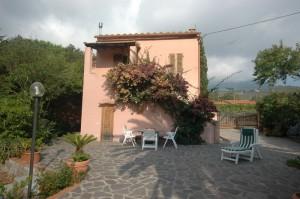 Comoda villa in posizione tranquilla vicino a Marina di Campo